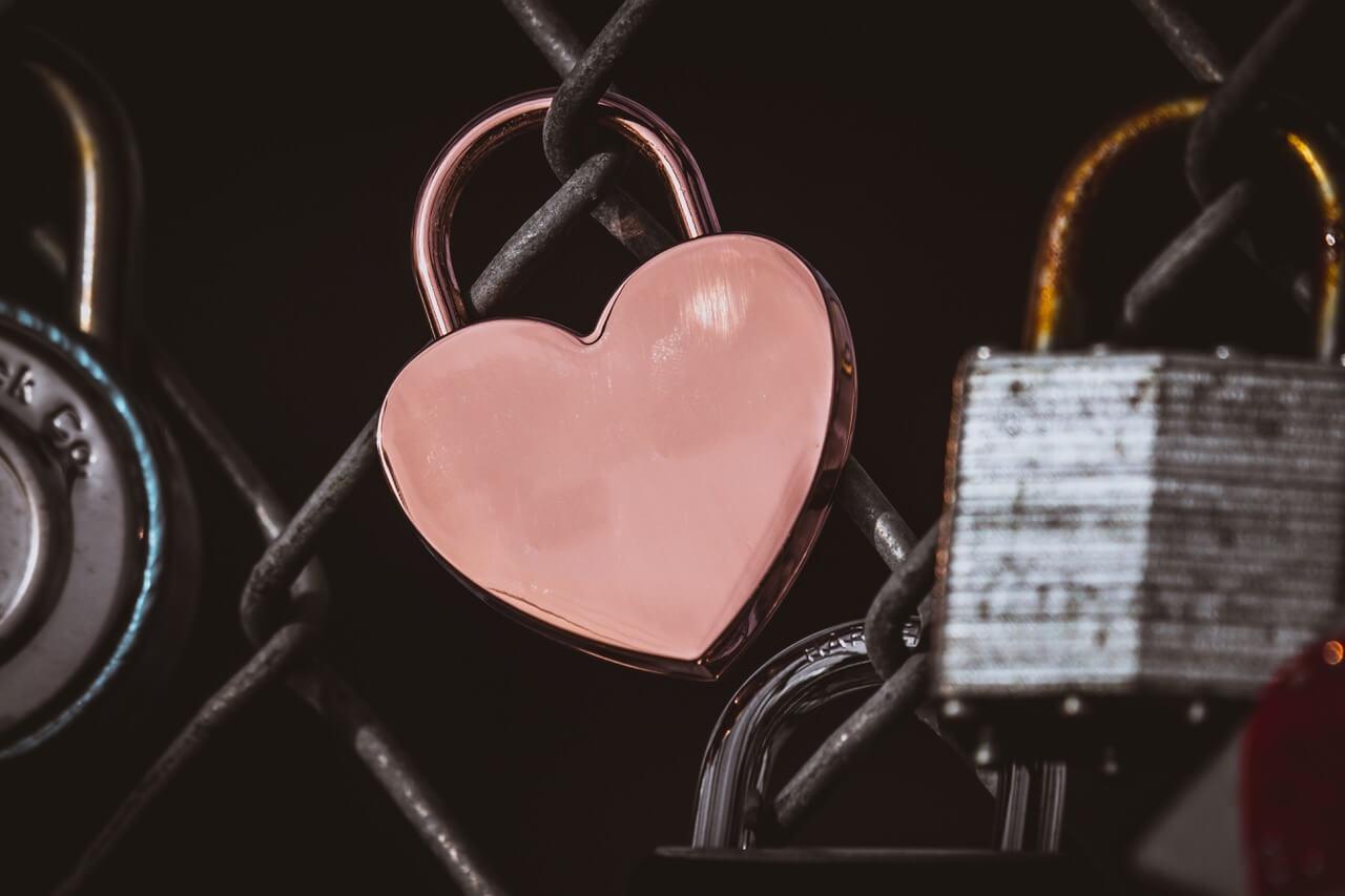 Love lock unsplash